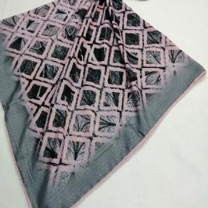 روسری نخ ابریشم دست دوز زنانه طرح هندسی 9