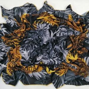 روسری نخ ابریشم دست دوز زنانه طرح گلهای بهاری 12-تصویر 2