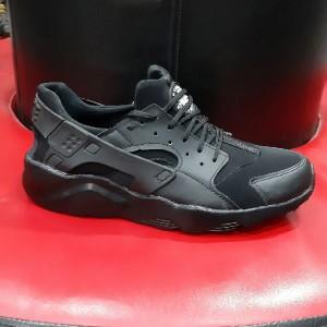 کفش نایک ۰۰۵