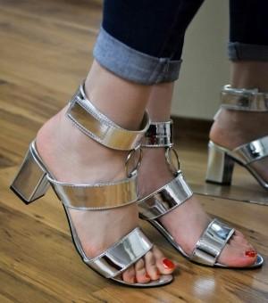 کفش کد ۹۴۴