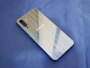 کاور پشت گلس رنگین کمانی Glass case samsung A70-تصویر 2