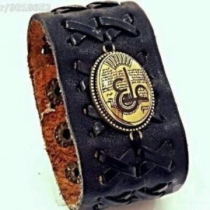 دستبند چرم اصل با نگین حدید صینی ع علی طلاکوبی