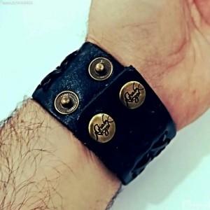 دستبند چرم اصل با نگین حدید صینی ع علی طلاکوبی-تصویر 2