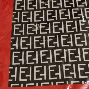 روسری دهه 60 ساتن طرح فندی-تصویر 2
