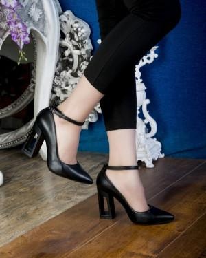 کفش کد ۸۱۵