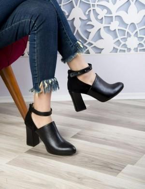 کفش کد ۱۰۷