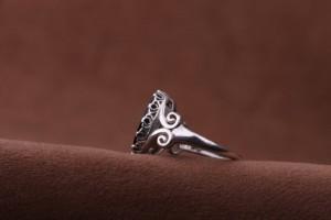 انگشتر عقیق مشکی خطی زنانه-تصویر 3
