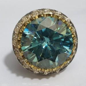 انگشتر غولپیکر منحصر به فرد الماس روسی یا موزانایت ۶۰ قیراطی-تصویر 2