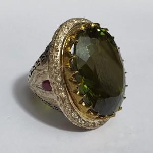 انگشتر نقره غولپیکر سلطنتی الکساندریت درجه ۱ با وزن ۲۵۰ قیراط