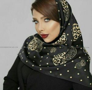 روسری ساتن سایز ۱۱۰