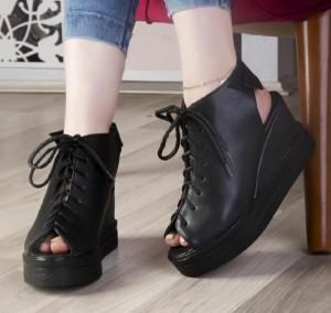 کفش لژ دار