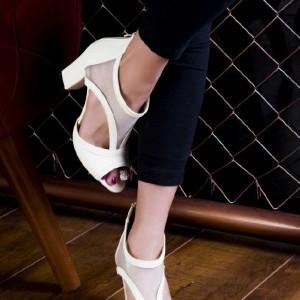 کفش پاشنه دار بغل طوری