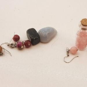 پلاک.ماه تولد،شیشه ارزوها و گوشواره با هم کدh۰۱۱