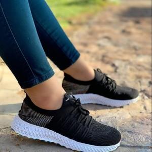 کفش کتانی بافت
