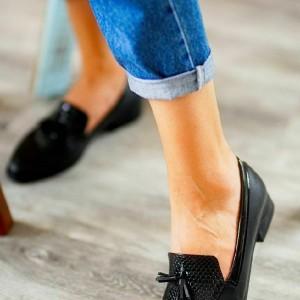 کفش ورنی